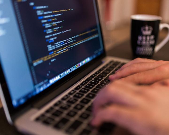 Студент АмГУ вышел в финал Международной олимпиады по веб-программированию