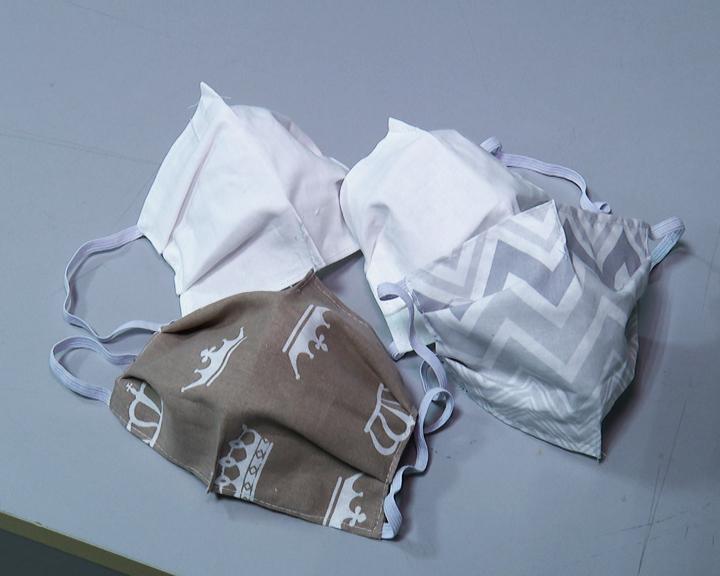 Многоразовая защита: Амурские мастерицы шьют медицинские маски
