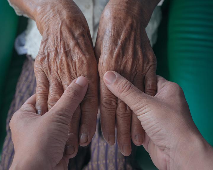 Амурчане старшего возраста должны соблюдать режим изоляции на дому