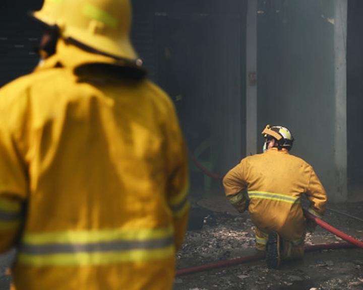 30 амурских огнеборцев ликвидируют возгорание в Архаринском районе