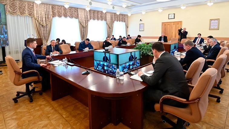 В Хабаровском крае женщина с COVID-19 сбежала из госпиталя и заразила людей