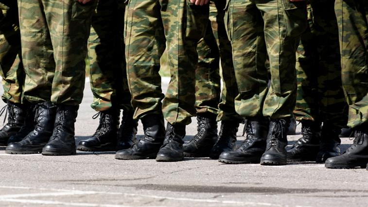 Выпускников школ не заберут в армию этой весной
