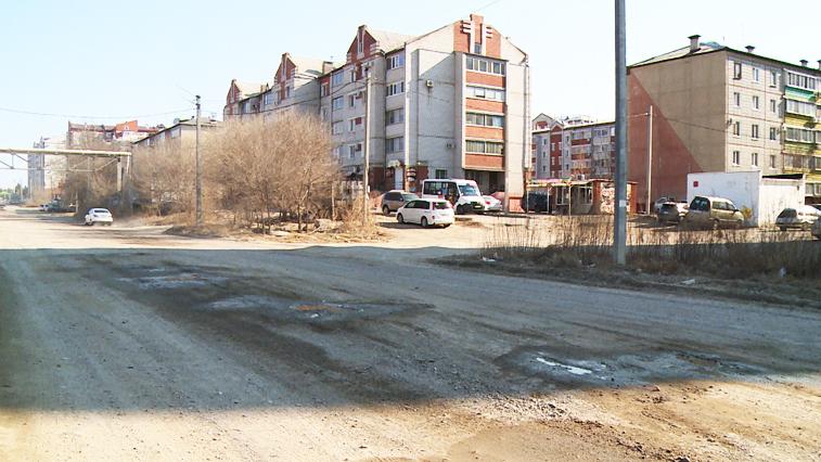 Долгожданный ремонт: Разбитую трассу в микрорайоне Тепличный ждёт реконструкция