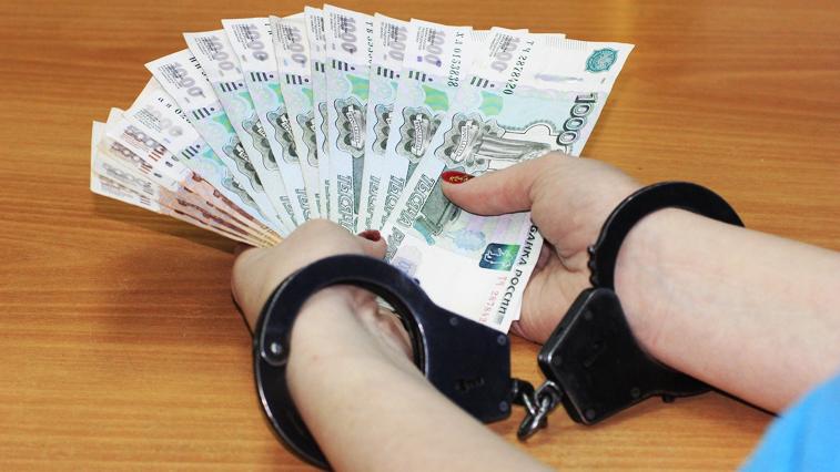 Руководителя тындинкого управления соцзащиты обвиняют в подлоге и присвоении денег