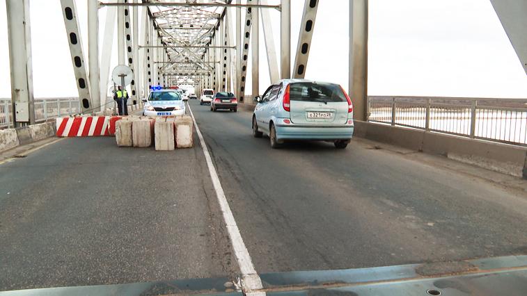 Амурчан просят воздержаться от поездок по мосту через Зею с 1 по 5 мая