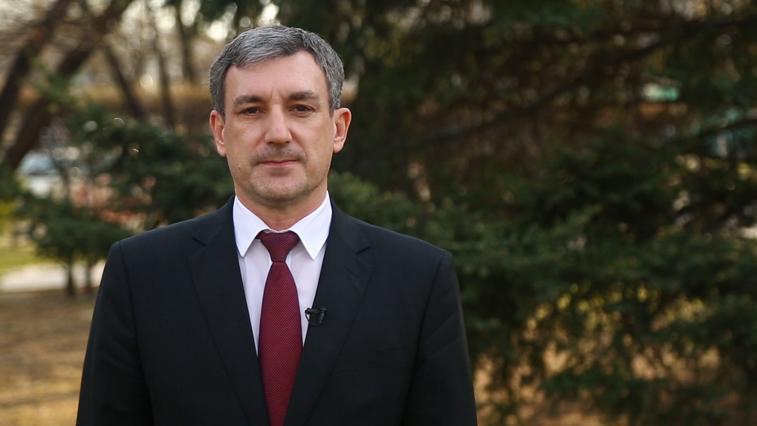 Василий Орлов поздравил жителей области с 1 мая