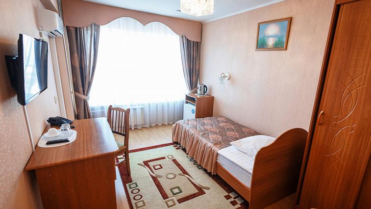 Благовещенских медиков, работающих с коронавирусом, поселят в гостинице «Зея»