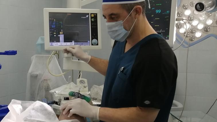 Амурские медики на спецкурсах учатся оказывать помощь тяжелым больным с коронавирусом