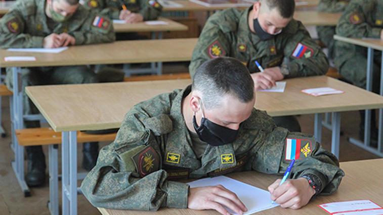 Более 1000 писем ветеранам Великой Отечественной написали солдаты и офицеры Амурского объединения ВВО