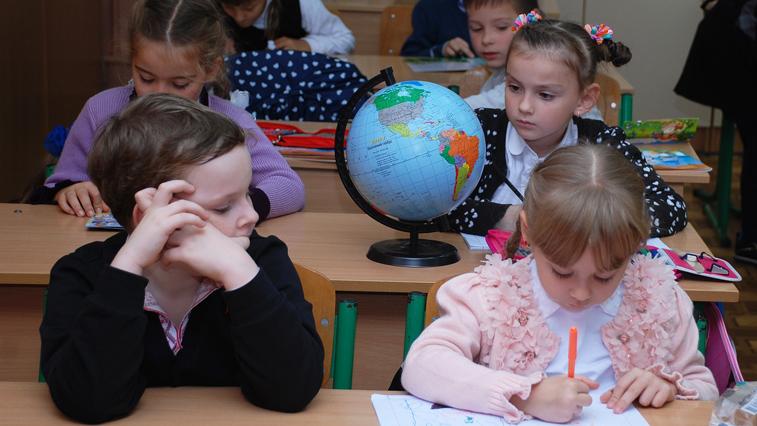 Летние каникулы могут начаться в середине мая: Минпросвещения рекомендовало регионам досрочно завершить учебный год