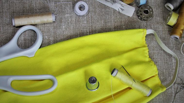 Около 6 000 многоразовых масок производят амурские предприятия ежедневно