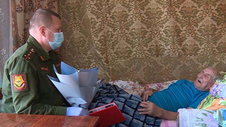 Адресную помощь ветеранам Великой Отечественной войны оказывают амурские военнослужащие