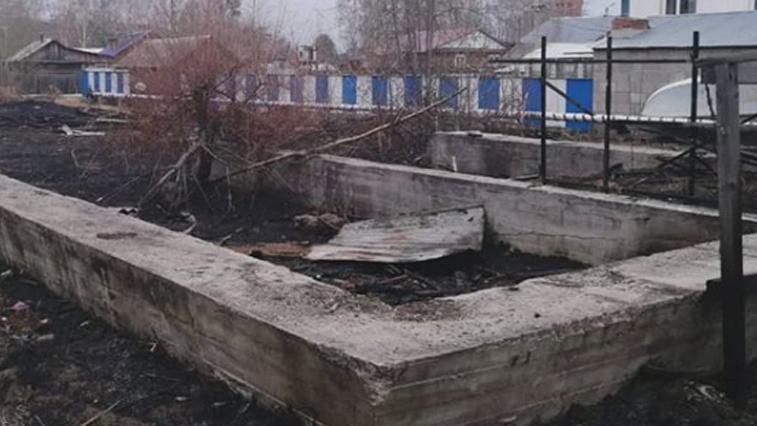 Поджигательницу, по вине которой едва не загорелось здание автошколы, ищут в Зее