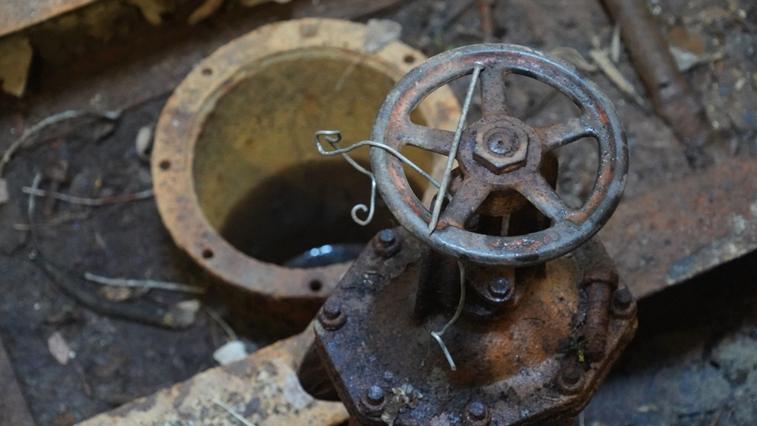 В Свободном чистят шахтный колодец, который был построен в начале прошлого столетия