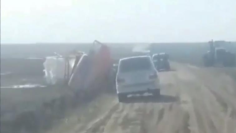 Пьяный водитель КАМАЗа устроил ДТП в Октябрьском районе