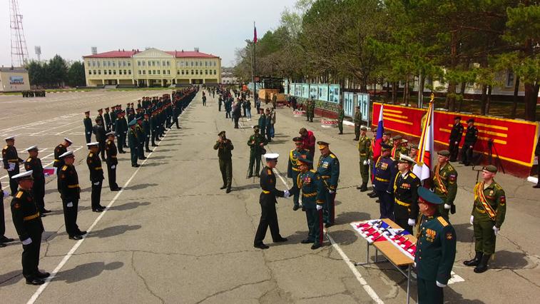 Больше 220 молодых офицеров ДВОКУ 9 мая получили дипломы