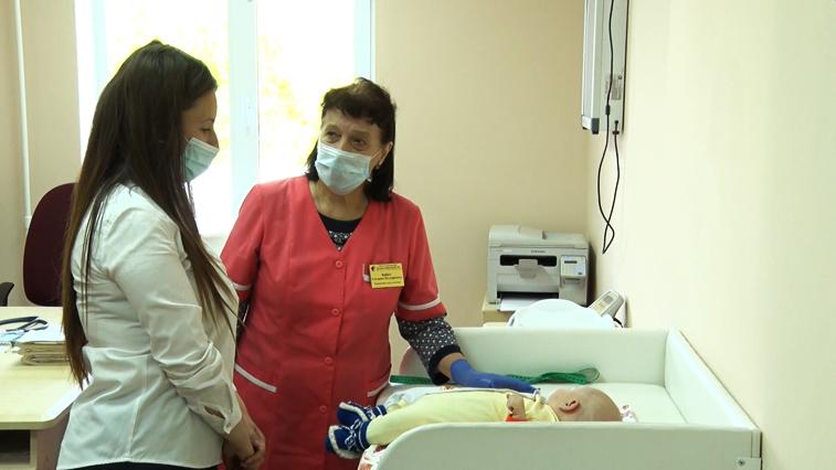 Больше 5 тысяч амурских медсестер отмечают свой профессиональный праздник
