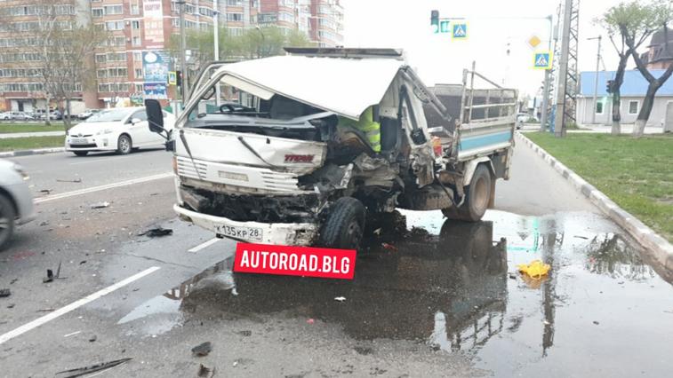 В областном центре дважды за сутки произошли жесткие ДТП с участием 3 автомобилей