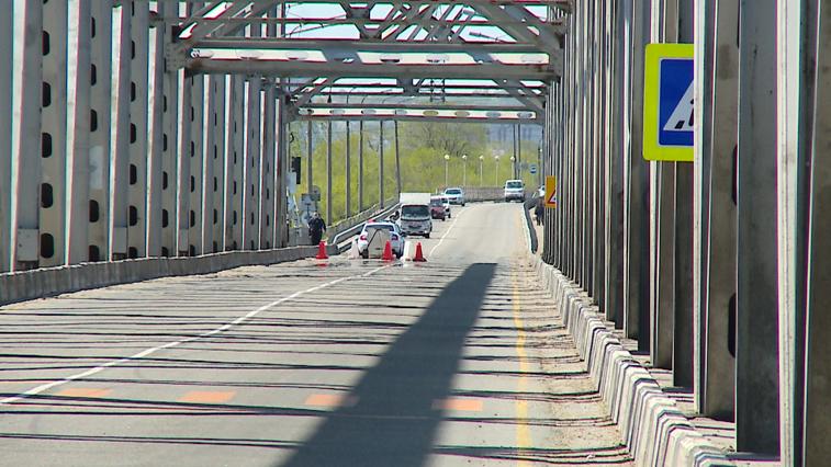 В ночь на 14 мая автомобильный мост через Зею закроют