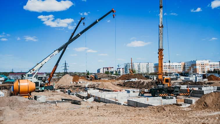 Тренажерный зал, полоса препятствий и садовый участок: В микрорайоне Благовещенска строится новая школа