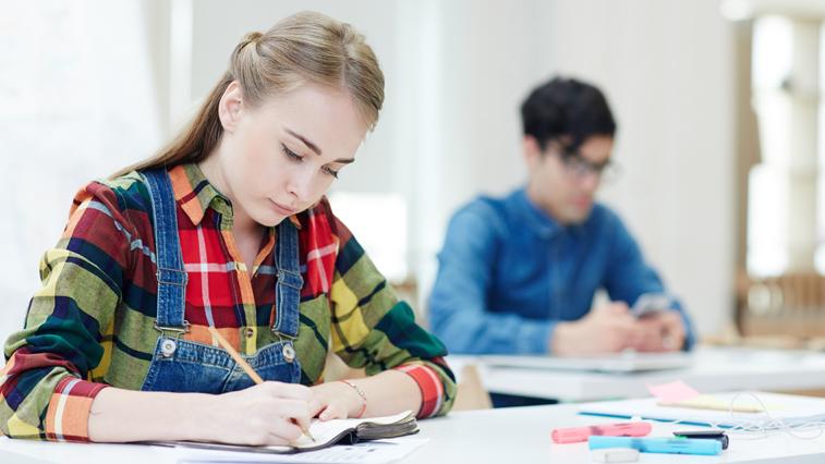ОГЭ в 9 классах могут отменить, ЕГЭ — перенести на более поздний срок