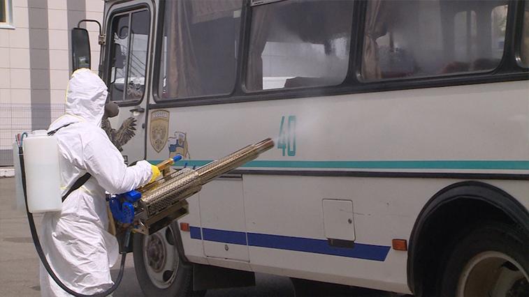 Безопасный для людей дезинфектант. В Благовещенске общественный транспорт обрабатывают генераторами тумана