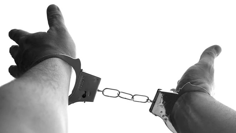 Амурских пенсионеров, студентов и безработных подводят к преступлению. В регионе выявили несколько фирм-однодневок