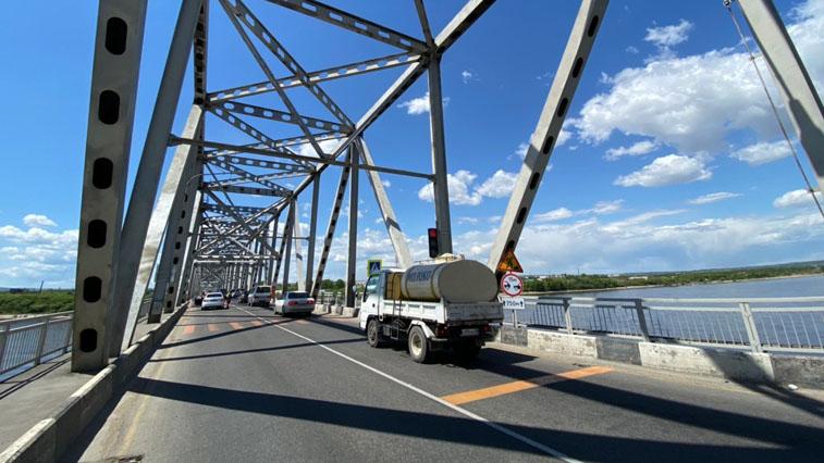 Дорожники за ночь завершили ремонт благовещенского моста через Зею