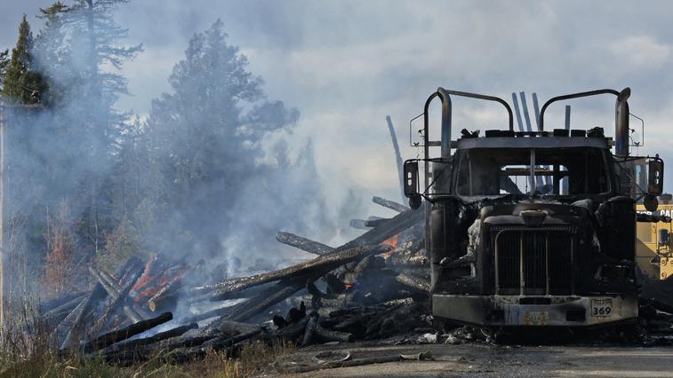 3 грузовика горели сегодня в Благовещенске. Одна из возможных причин — поджог