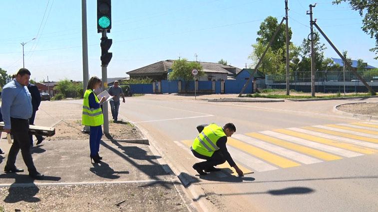 В Приамурье специальная комиссия проверяет качество отремонтированных дорог