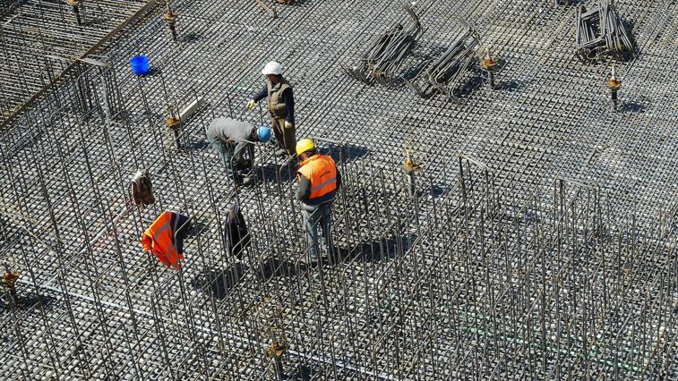 Более тысячи вахтовых работников находятся на карантине в обсерваторах региона