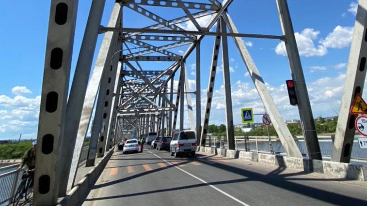 По благовещенскому мосту через Зею разрешили доставлять сельхозпродукцию