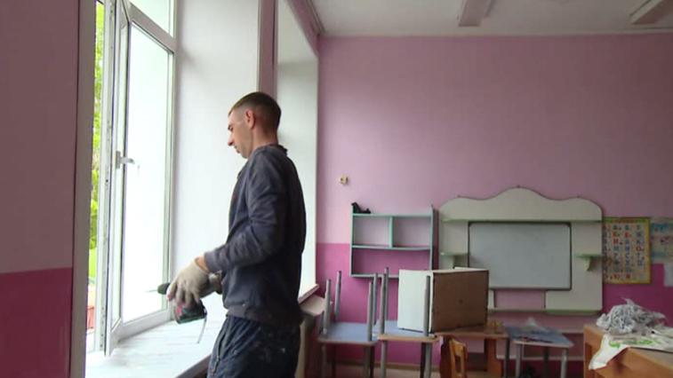 Старые деревянные окна в белогорских детских садах заменят на пластиковые