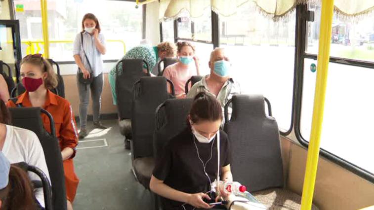 Соблюдение масочного режима проверяют в общественном транспорте Благовещенска