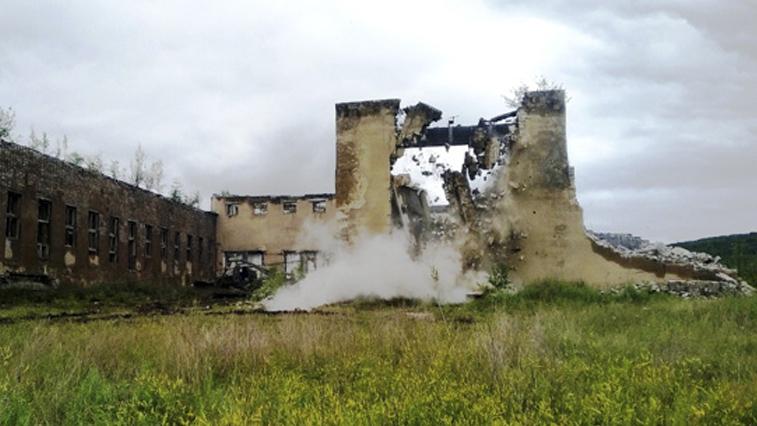 16 зданий бывших военных городков этим летом снесут армейцы ВВО