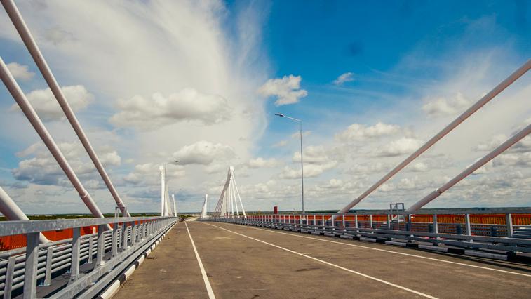 Минвостокразвития опубликовало первые кадры полностью готового моста через Амур
