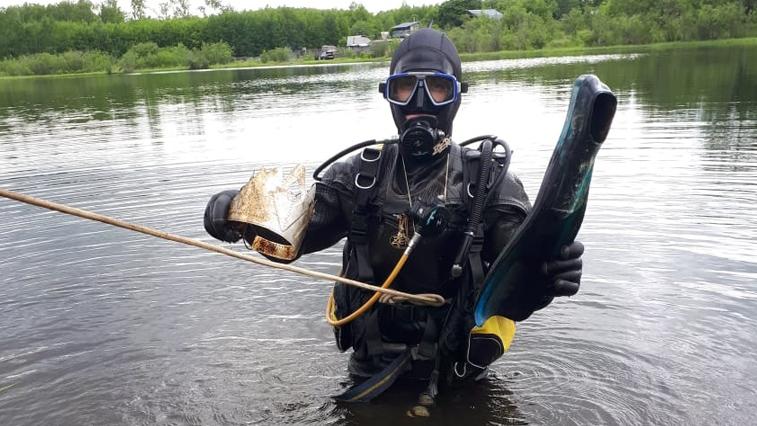 Водолазы очистили амурские водоемы от стекол и рыболовных снастей