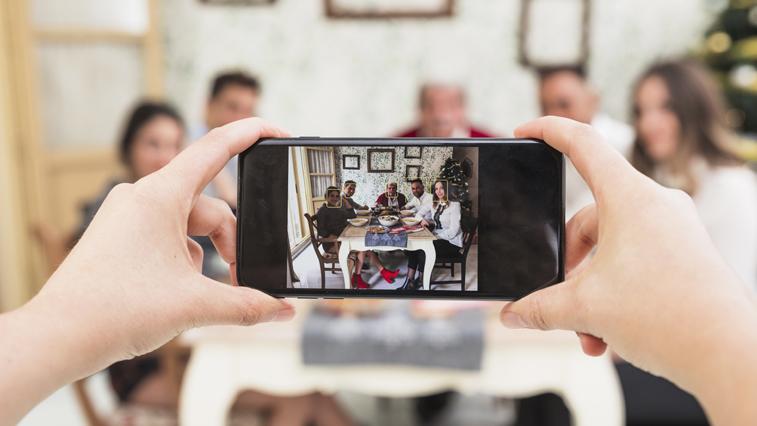 «Семья в кадре»: амурчанам предлагают принять участие в киноконкурсе, посвященном Дню любви и верности