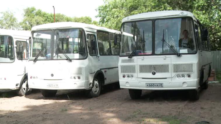 В Архаринском районе приобрели новые автобусы и ремонтируют аварийные участки дорог