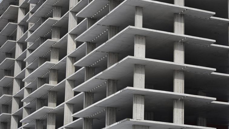 Дефицит жилых квадратов, завышенные цены и пандемия сократили число заявок на «Дальневосточную ипотеку»