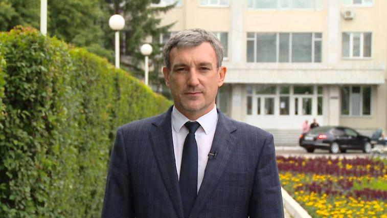 Губернатор области поздравил амурских выпускников