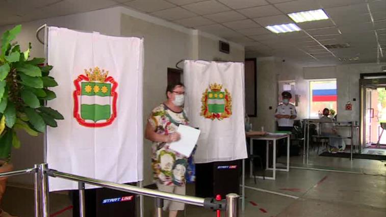 К полудню 1 июля явка на участках для голосования в Амурской области составила почти 50%