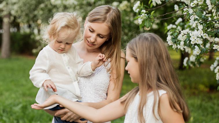 Дополнительные выплаты на детей до 16 лет начали получать амурские семьи
