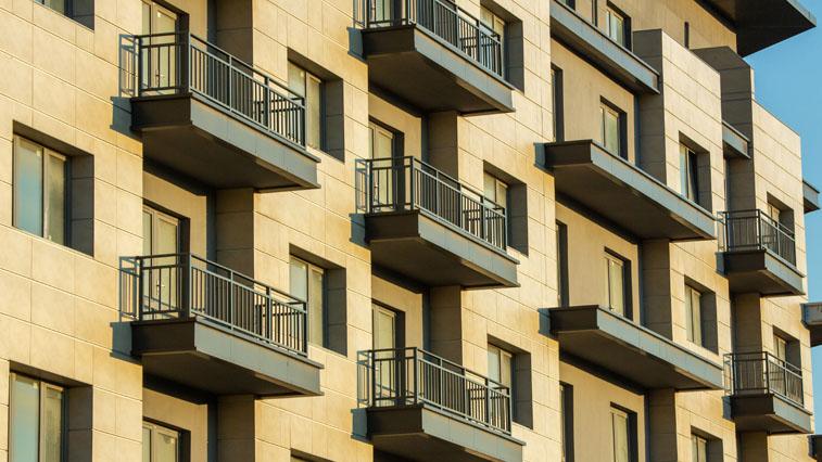 Больше 7 лет потребуется амурской семье, чтобы накопить на 2-комнатную квартиру
