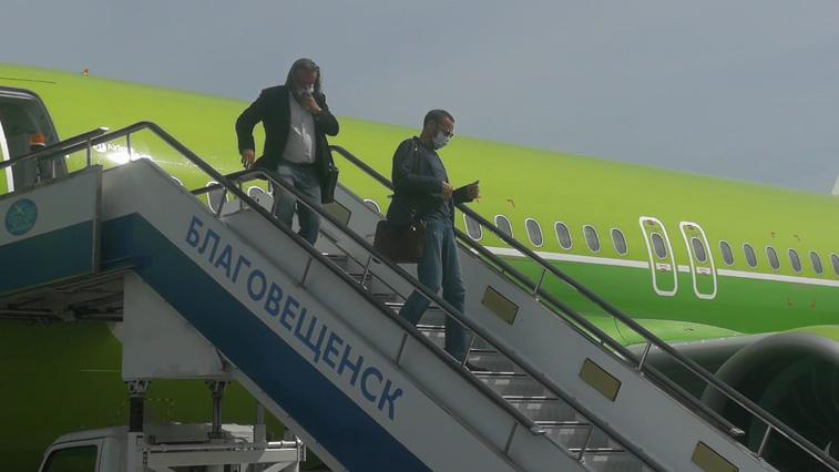 Спецрейсами из-за границы вернулись более 160 амурчан