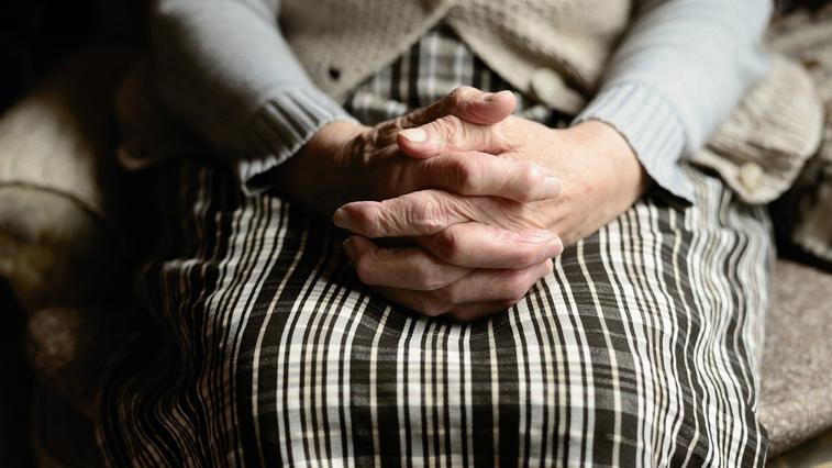 Амурчане старше 65 лет смогут продлить больничный еще на две недели