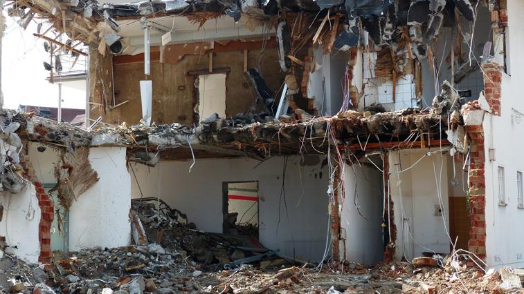 Аварийные здания бывших военных городков в Амурской области сравняют с землей