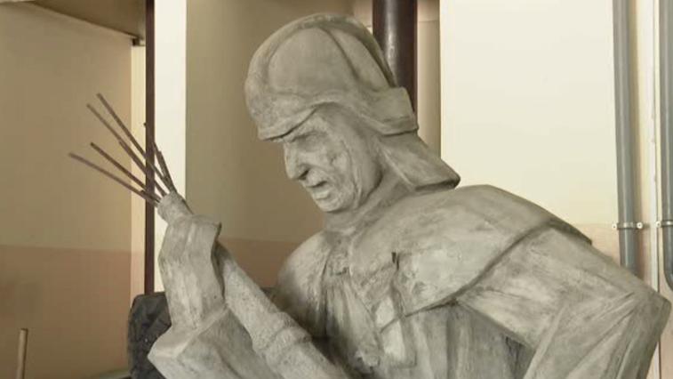 Благовещенский скульптор создает памятник амурским огнеборцам, погибшим в годы войны