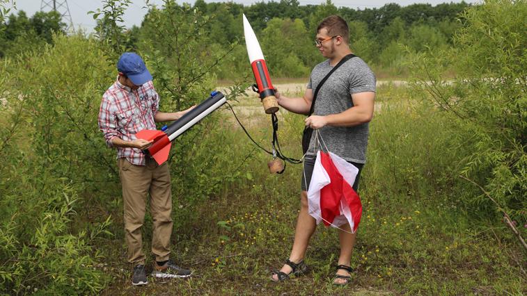 Студенты АмГУ провели успешные летные испытания двух моделей ракет