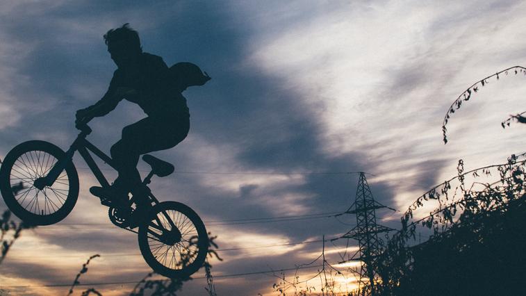 Двоих жителей Благовещенска задержали по подозрению в 13 кражах велосипедов